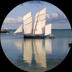La Bisquine Cancalaise sur le port de la Houle